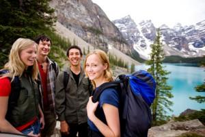 Eine Wandergruppe in Kanada