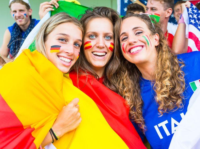 Deutschland Ukraine, Spanien und Russland: Das sind die günstigsten Reiseziele für eine Fußball-Reise