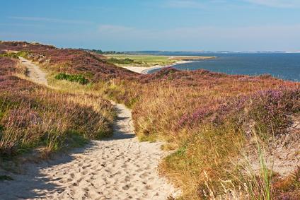 Ein Wanderweg entlang der Sylter Küste