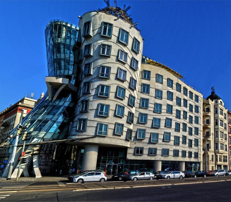 Das tanzende Haus von Prag - 123-und-weg.de